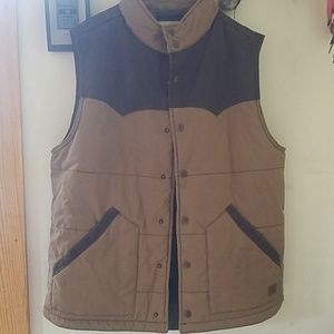 Legendary whitetails vest